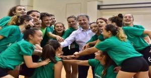 Başkan İduğ'dan voleybola davet