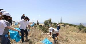 Başkan Kılıç çevre gönüllüleriyle 3 kamyon çöp topladı
