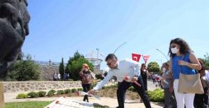 Bayraklı'da Sivas katliamı anıldı