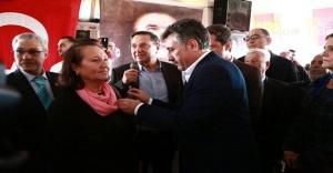 BAYRAKLI'DA AK PARTİ'DEN CHP'YE 800 KİŞİ KATILDI