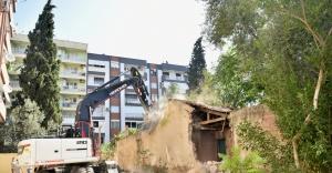 Bornova'da riskli yapılara geçit yok