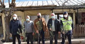Bornova'da tarıma destek devam ediyor