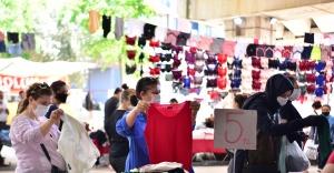 Bornovalı kadınların Sosyete Pazarı sevinci