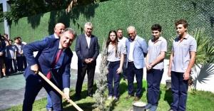 Bornova'nın parkları 2021 yılına hazırlanıyor