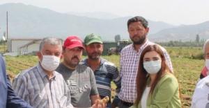 CHP İzmir Milletvekili Av. Sevda Erdan Kılıç, üreticinin dertlerini dinledi