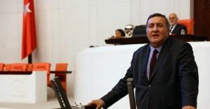 CHP Milletvekili Gürer, TBMM Genel Kurulu'nda öğretmenlerin sesi oldu