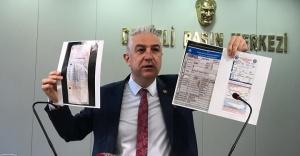 CHP'li Sancar, komşu iki ilin su faturasını gösterdi ve su üzerinden yapılan vurgunu açıkladı