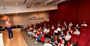 Çiğli'de Bağımlılıkla Mücadele Çalışmaları Sürüyor