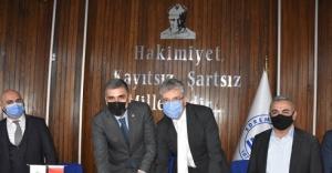 DİSK/Genel-İş Balıkesir'de 14 toplu sözleşme imzaladı