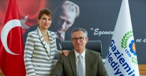 Gaziemir Belediye Başkanı Halil Arda'nın eşinin Kovid-19 testi pozitif çıktı