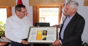 İzmir Bosna Sancak Derneği'nden Mesut Ergin'e hayırlı olsun ziyareti
