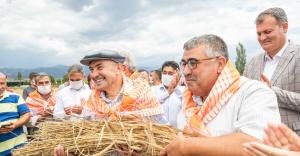 İzmir Büyükşehir Belediyesi 2020'de de üreticinin yanında oldu