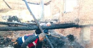 İzmir'de ev yangınında alzheimer hastası yaşlı kadının cesedi bulundu