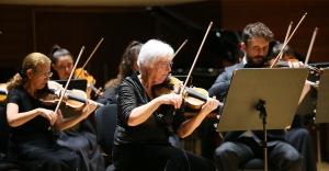İzmir'de Olten Filarmoni Orkestrası'ndan yeni yıl konseri