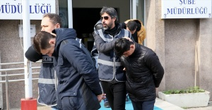 İzmir'deki kuyumcu soygununun ardından yakalanan 4 zanlı adliyeye sevk edildi
