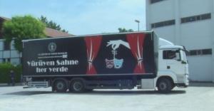 """İzmir Devlet Tiyatrosu """"Kamyon Tiyatrosu"""" Yola Çıkıyor"""