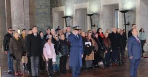 İzmir'de yaşayan Çanakkalelilerden Anıtkabir'e ziyaret