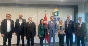 İzmir'den Basın İlan Kurumu Genel Müdürü'ne Ziyaret