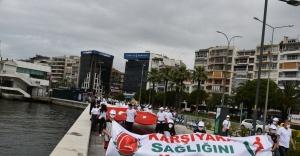 Karşıyaka ''En İyi Narkotik Polisi: Anne '' sloganı ile yürüdü