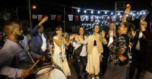 Karşıyaka'da 'Roman Şenliği' coşkusu