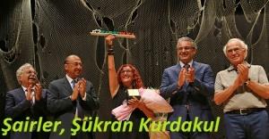 Karşıyaka'dan 'Şükran Kurdakul Şiir Ödülü'