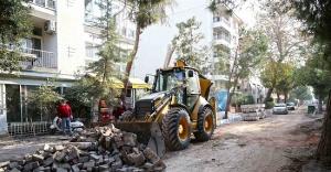 Karşıyaka'nın simge sokağı yenileniyor
