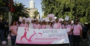 Kıbrıs Şehitleri Pembeye Büründü