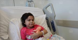 "Küçük diyaliz hastası kızın ""organ nakli"" sevinci"