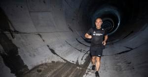 Metro tünelinde sabah koşusu