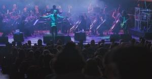 Mor ve Ötesi'nden senfonik performans
