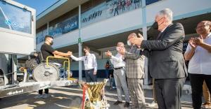 Şampiyonlar İzmir marşıyla karşılandı