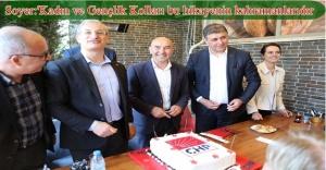 Tunç Soyer Bostanlı'daki En Yüksek Oy Aldığı Sandık Bölgesini Ziyaret Etti