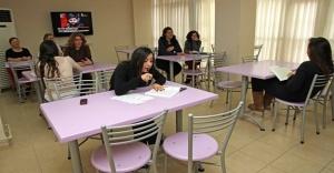 Türkan Saylan Konukevi öğrencilerini bekliyor