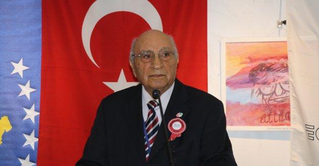 Uluslararası Edebiyat Şöleni İzmir'de başladı.