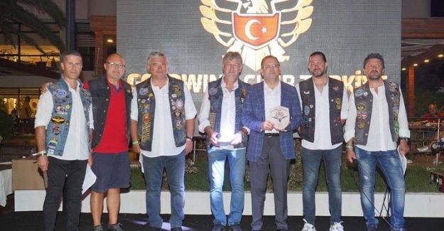 ULUSLARARASI GOLD WINGS MOTOR SEVERLER AYVALIK'TA BULUŞTU