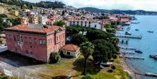 Ayvalık Belediyesi tarihi binaya taşınacak