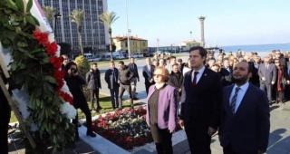 CHP İzmir İl Başkanı Deniz Yücel, mazbatasını alarak görevine başladı