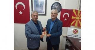 CHP'li Beko, İzmir Gültepe Makedon Derneğini Ziyaret Etti