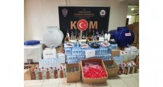 İzmir'de 1251 litre sahte içki ele geçirildi, 7 kişi gözaltına alındı
