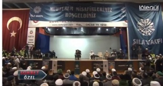 İZMİR'DEKİ SKANDAL ETKİNLİK MECLİS GÜNDEMİNDE