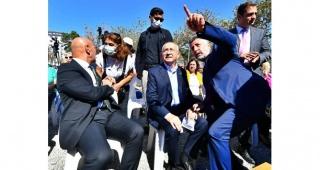 Kılıçdaroğlu İzmir'de deprem mağdurlarına seslendi
