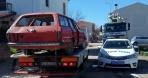 Ayvalık Belediyesi Hurda Araçları ve İzinsiz Reklam Tabelalarını Kaldırdı