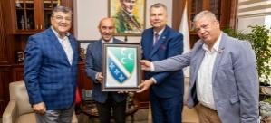 Balkan Derneklerinden Başkan Tunç Soyer'e ziyaret