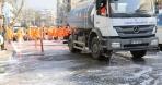 Edremit'te cadde ve sokaklar koronavirüse karşı köpükle yıkandı