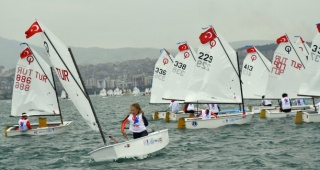 Yelkenciler 19 Mayıs Atatürk'ü Anma,  Gençlik ve Spor Bayramı'nı kutladı
